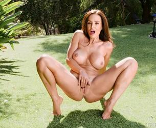 [TheLisaAnn.com] Lisa Ann - 4 rolika (RED & WHITE LACE MASTURBATOR, CUMMING DOWN THE HALL, SEXY WORKOUT IN NATURE, CUM TO MY JUNGLE) [2018, big tits, solo, toys, 1080p]