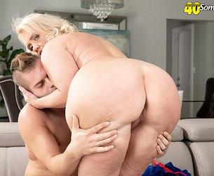 [ScoreHD.com (PornMegaLoad.com) / 40SomethingMag.com] Amber Lace - Big Assed Amber`s Deep Throat & Fuck Show 05.11.20 [2020, All Sex, Big Ass, Big Tits, Blonde, Blowjob, Cum on Ass, Cumshot, Doggy Style, Mature, MILF, Old and Young, Pussy-Eating, 1080p]