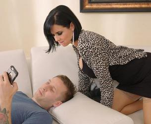 [BangMyStepmom.com / Wankz.com] Veronica Avluv (Queen MILF Veronica Avluv Loves Some Step-Son Cock!) [2016 g., Milf, Big Tits, Blowjob, Cougar, Cumshots, Hardcore, Squirting, 720p]