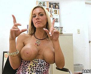 [BackroomMILF.com / BangBros.com] KALANI BREEZE (Cougar On The Prowl..! / MF6130 / 10.10.09) (Enhanced Tits, Big ass, Blonde, Milf, Facial, Hardcore, 2009) [720p] HDV